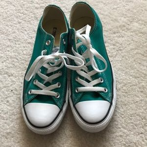 Green Converse All Stars 8 💚 lace up